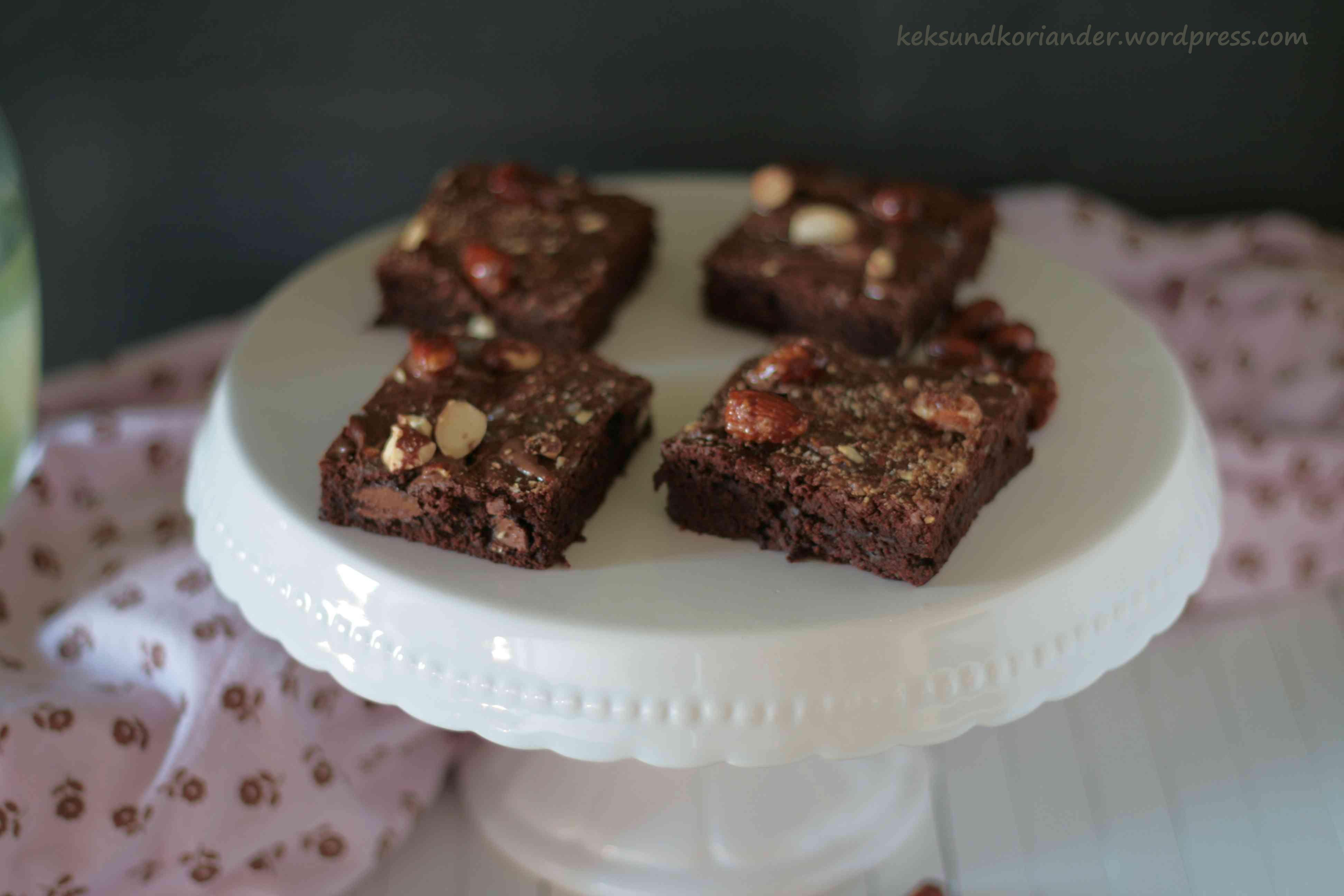 Brownies vorne scharf mit Schrift