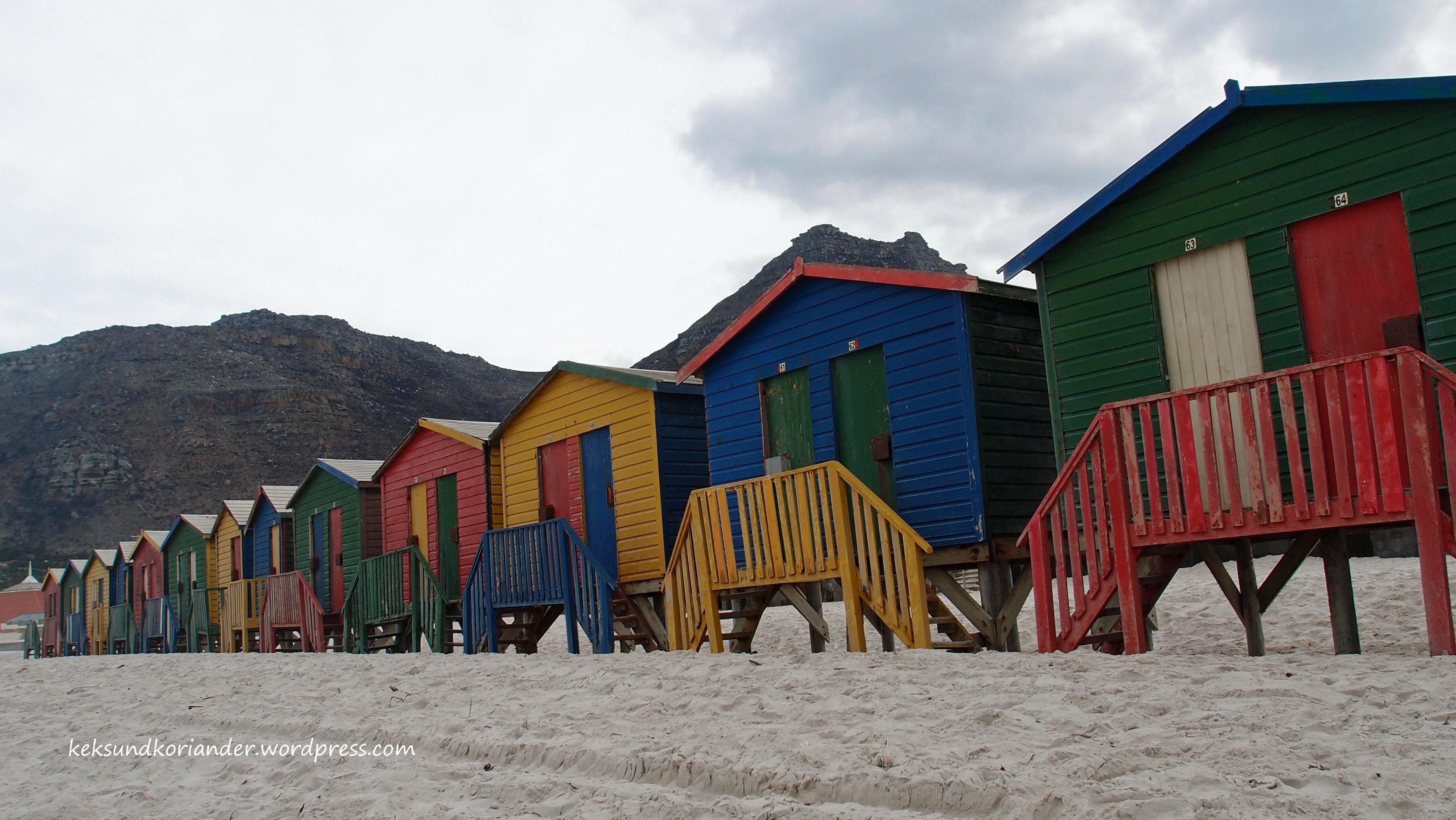 Südafrika Muizenberg Strandhäuschen bunt
