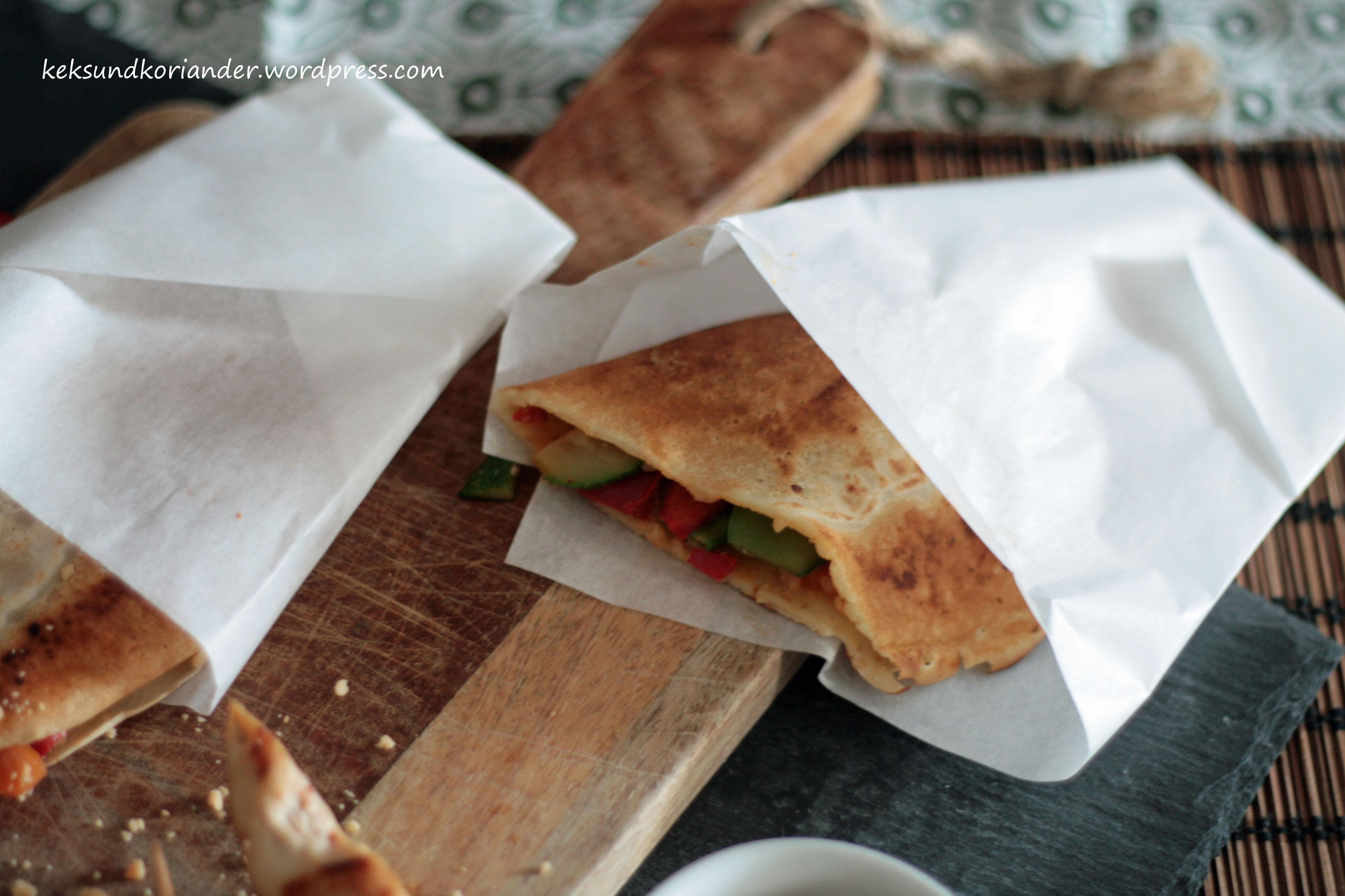 Serabi indonesische Pfannkuchen Gemüse Sambal Oelek 5