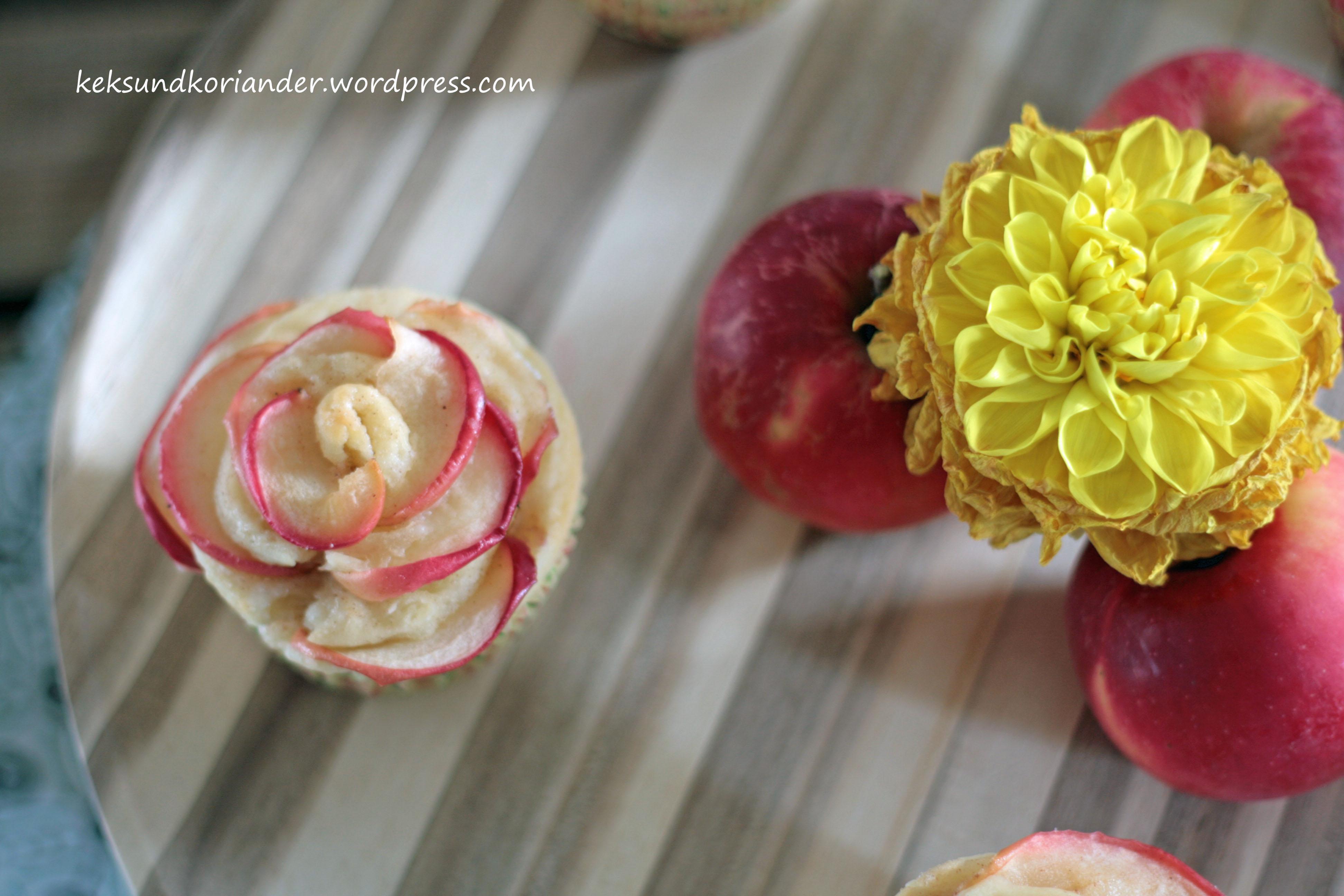 Apfelblumen Muffins Schnecken Joghurt-Öl-Teig Zimt