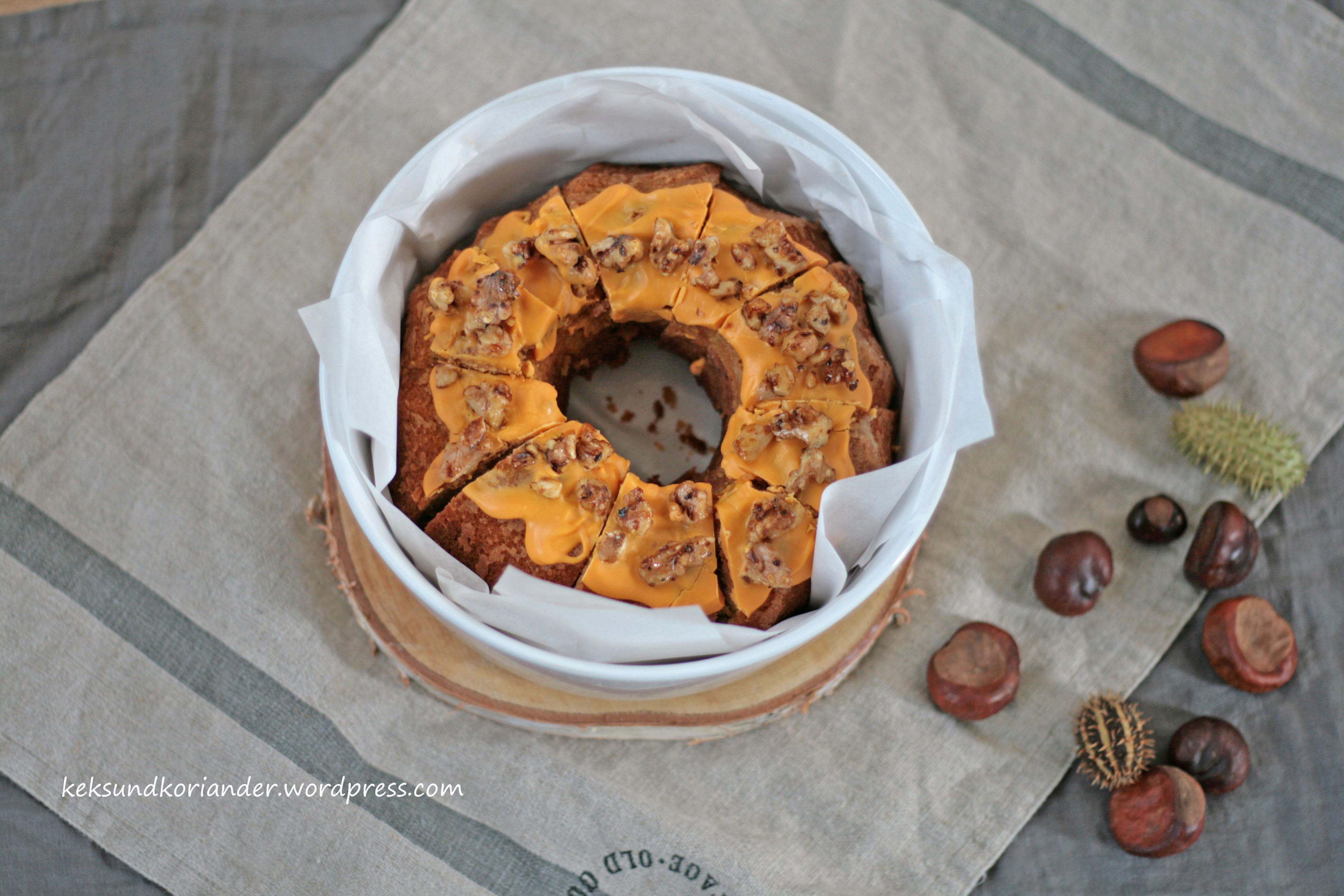 Kürbismarmorkuchen mit ZImt und karamelissierten Walnüssen