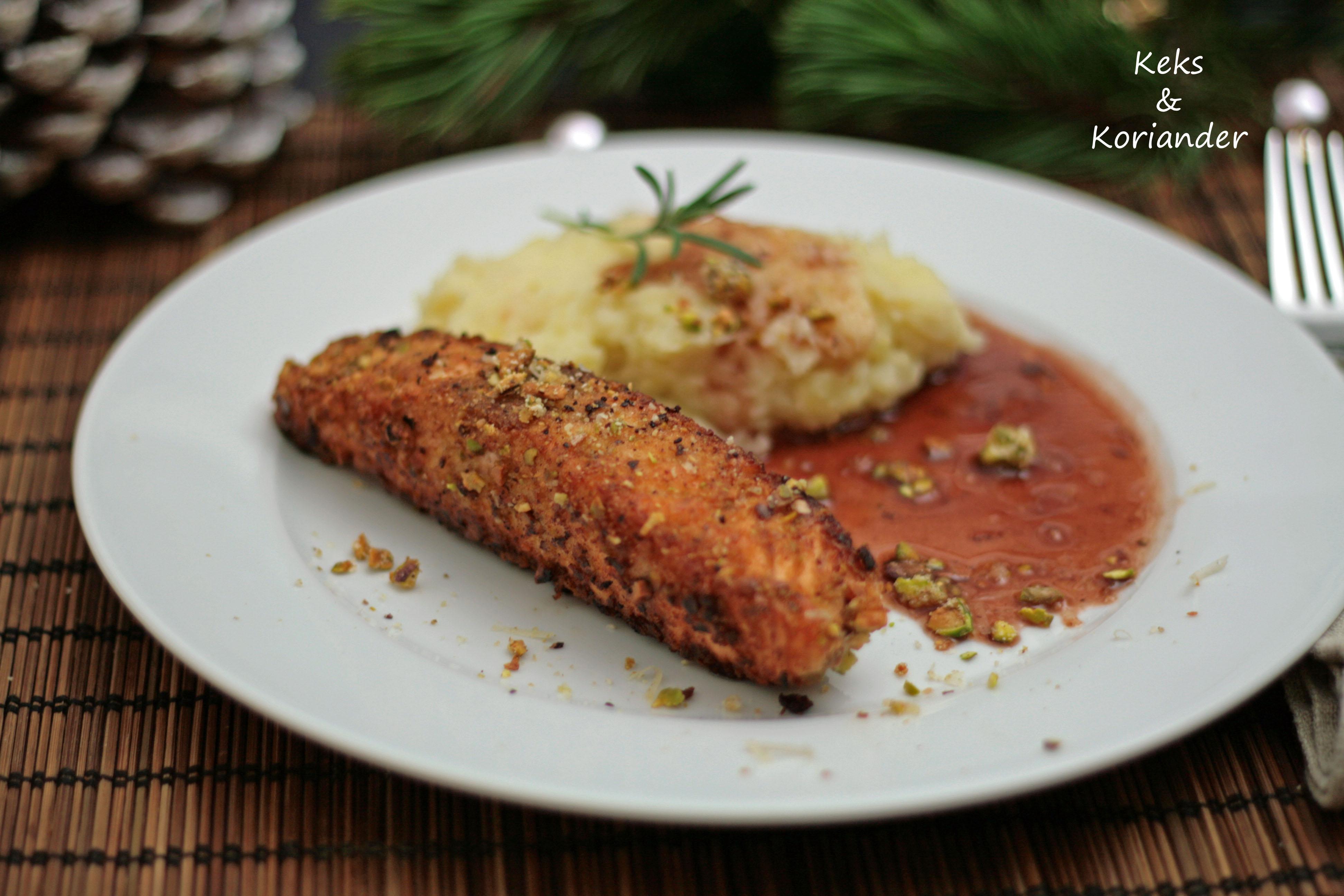 Lachs mit Nussknuspermantel und Petersilienwurzel-Kartoffelbrei mit Portweinbutter6