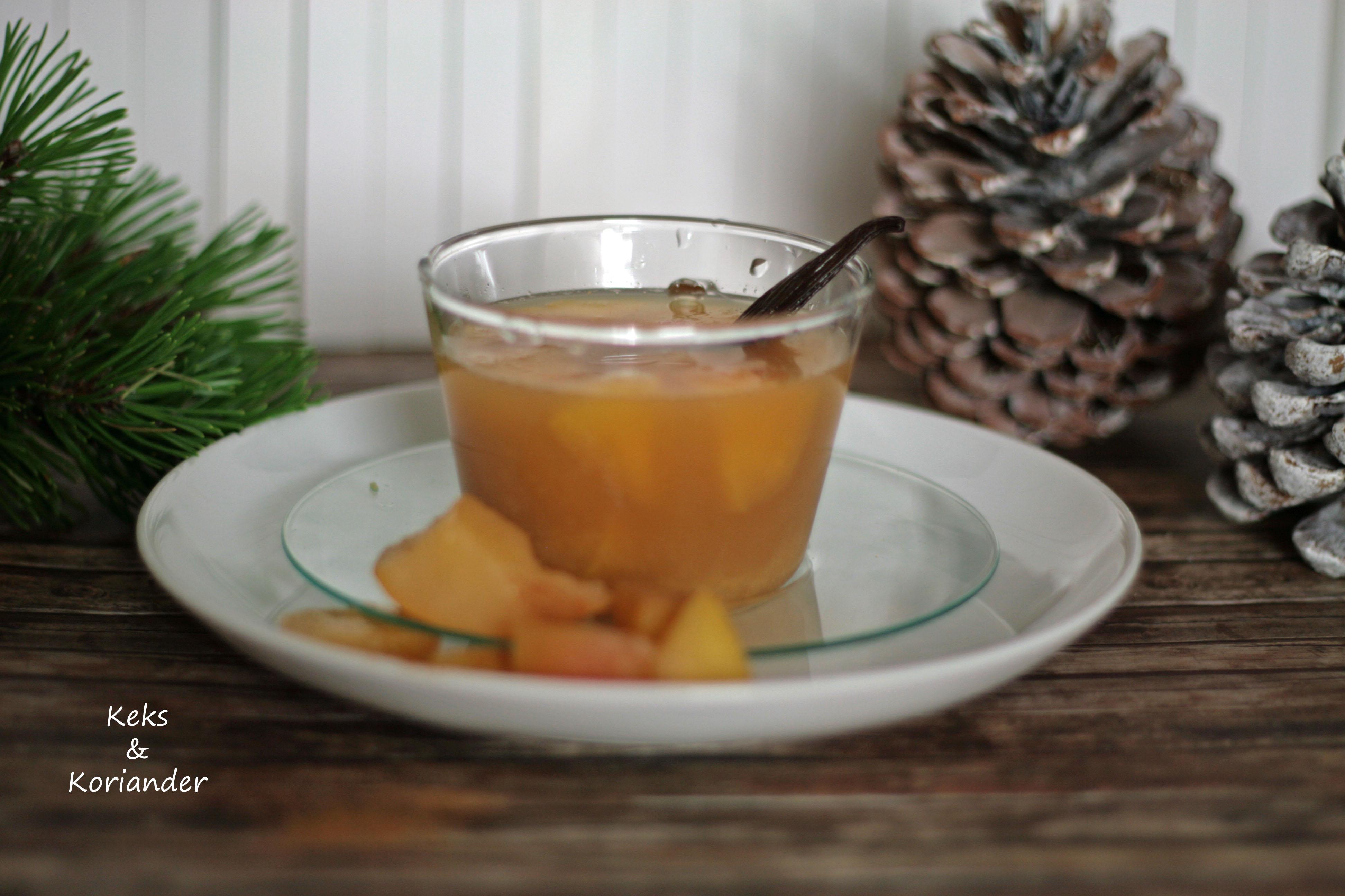 Apfelpunsch mit Rum, Zimt und Vanille2