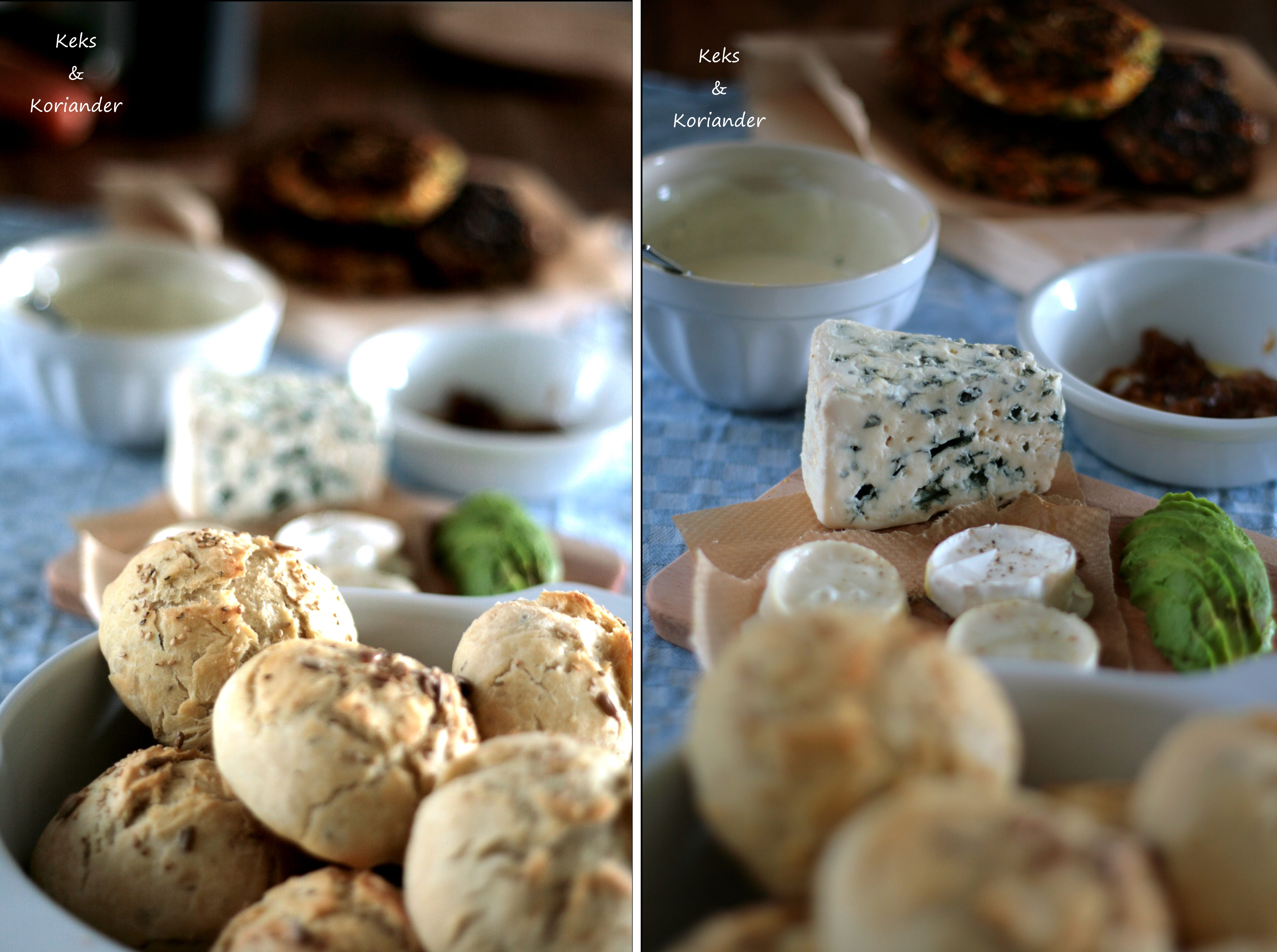 Veggieburger mit Ziegenkäse, karamellisierten Zwiebeln, Avocado, Babyspinat Synchronburgern Buns und Käse