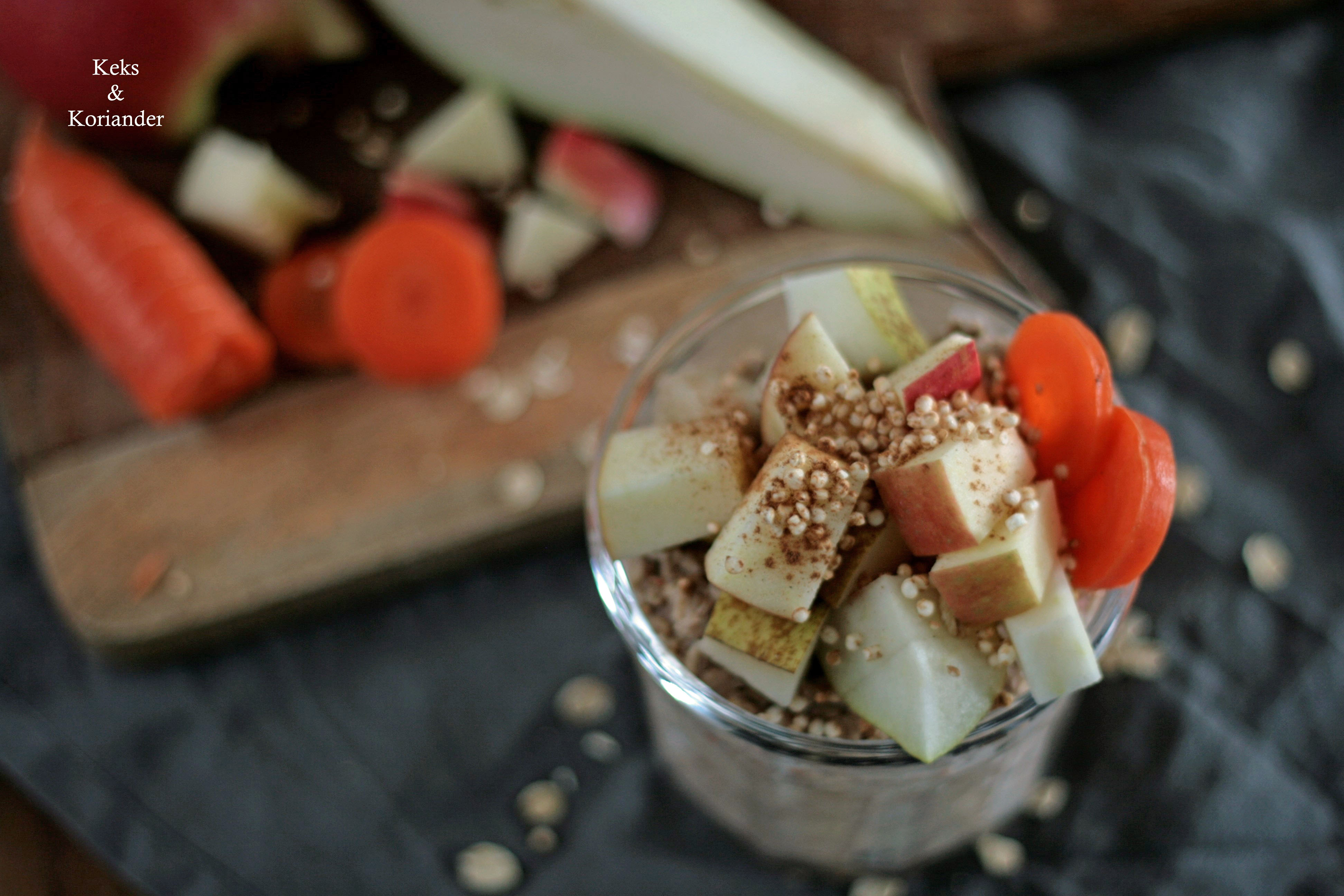 Overnight Oats mit Apfel, Birne, Karotte, gepufftem Quinoa, Zimt