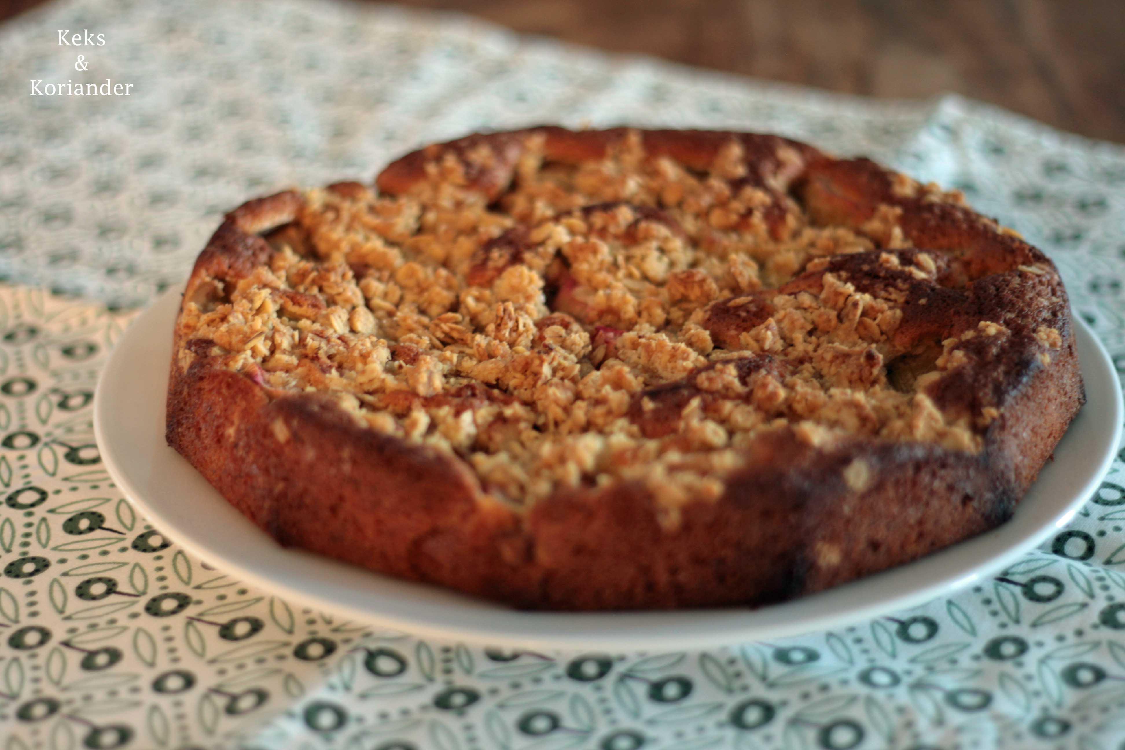 Rhabarberkuchen mit Streuseln und Vanille 2