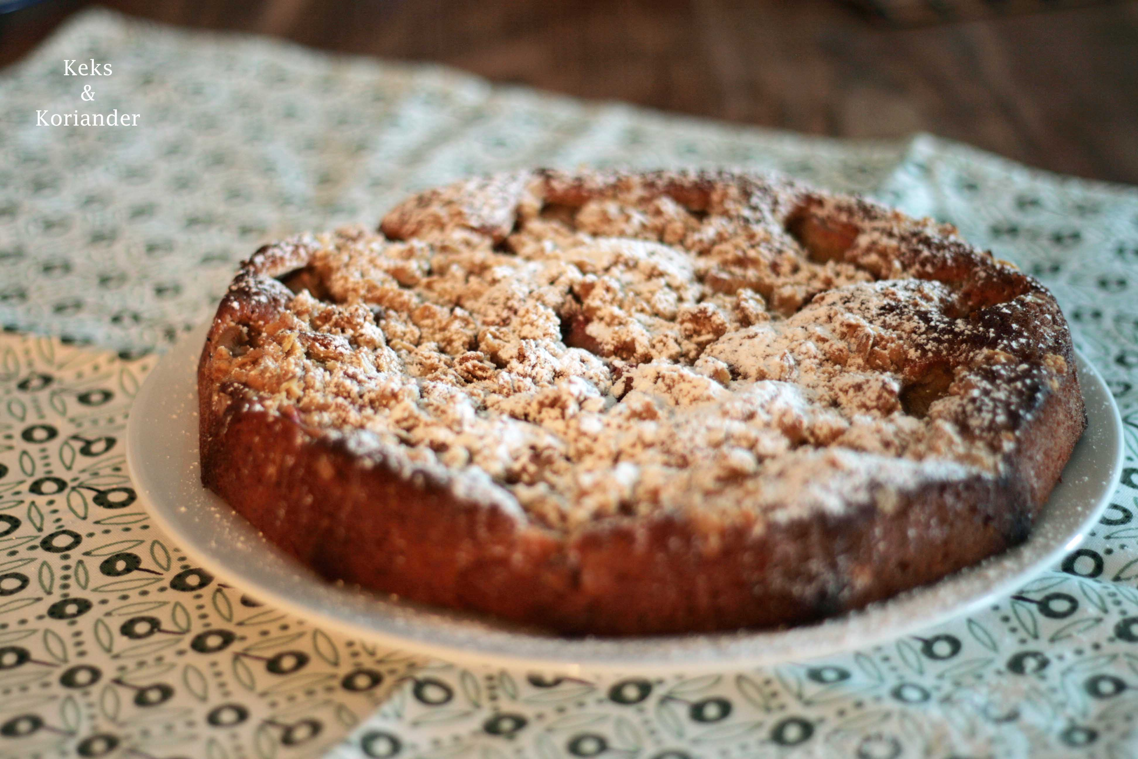 Rhabarberkuchen mit Streuseln und Vanille 3