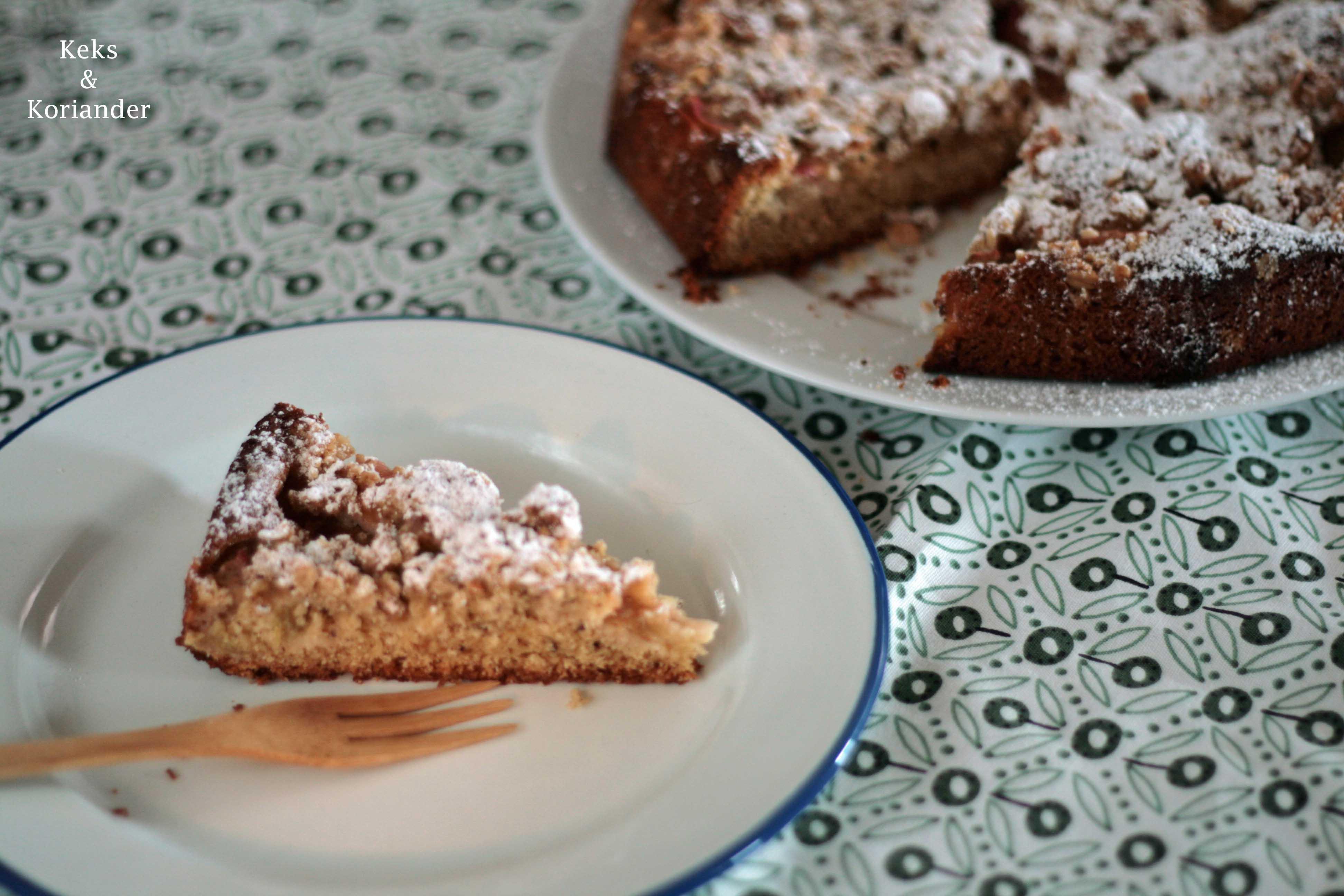 Rhabarberkuchen mit Streuseln und Vanille 4