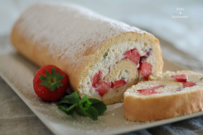 Erdbeer-Minz-Rolle Roulade mit Erdbeeren und MInze 4