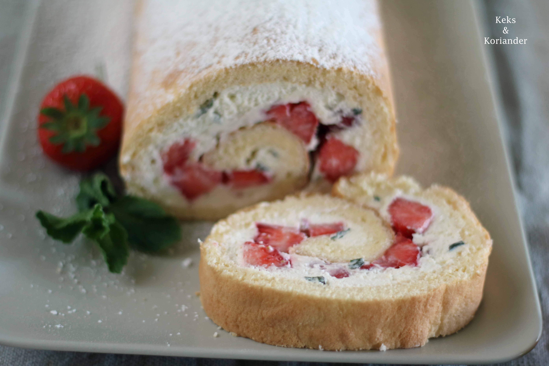 Erdbeer-Minz-Rolle Roulade mit Erdbeeren und MInze 5