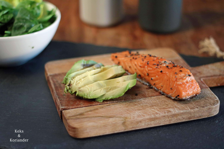 Pitabrot gefüllt mit Lachs, Ofengemüse und Avocado 4