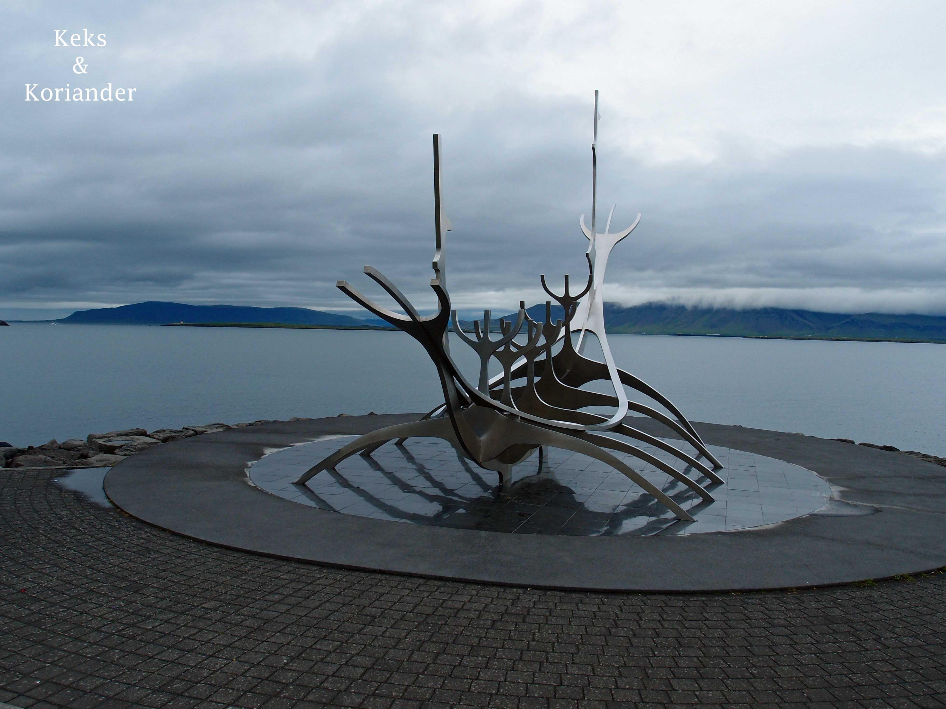 Wikingerdenkmal Küste Reykjavik Island