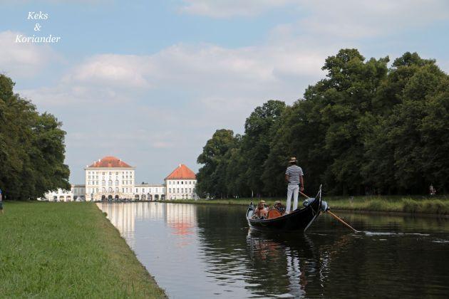 Nymphenburger Schlosspark München Sommer Gondel Rückseite