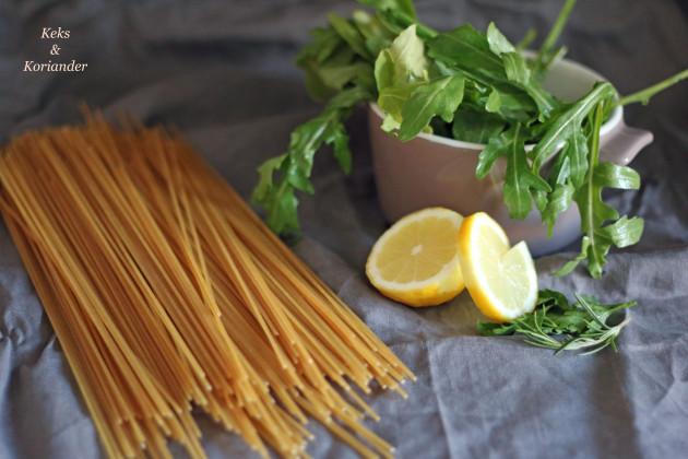 spaghetti-mit-gebackenen-tomaten-rucola-buffelmozzarella