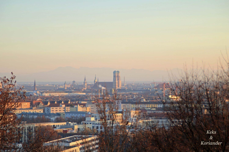 blick-vom-olympiapark-frauenkirche-munchen