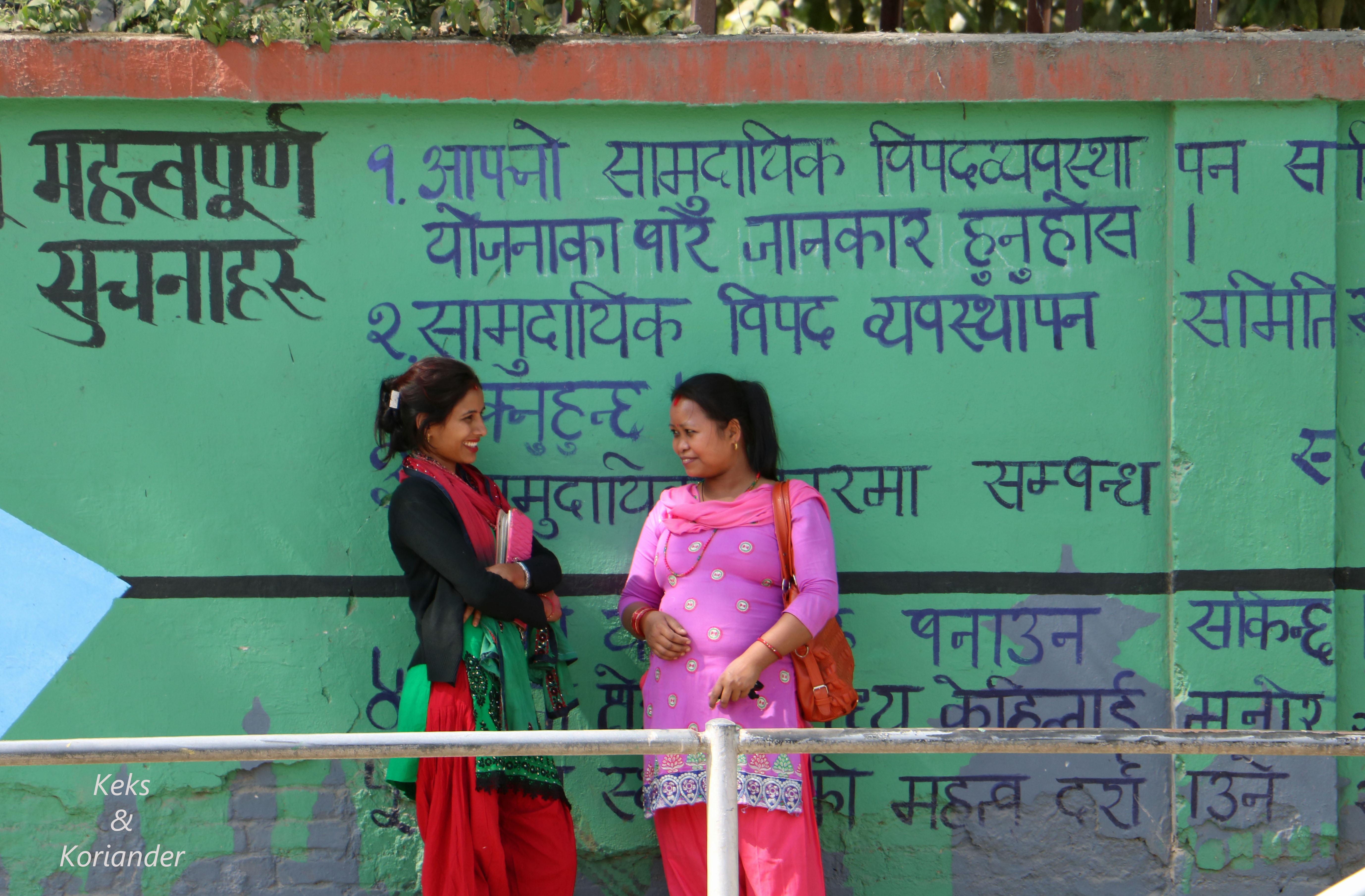 Kathmandu Nepal Einwohner bunte Wand Schrift