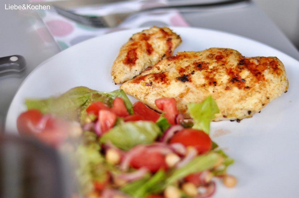 Marsalahühnchen mit Tomaten-Kichererbsen-Salat
