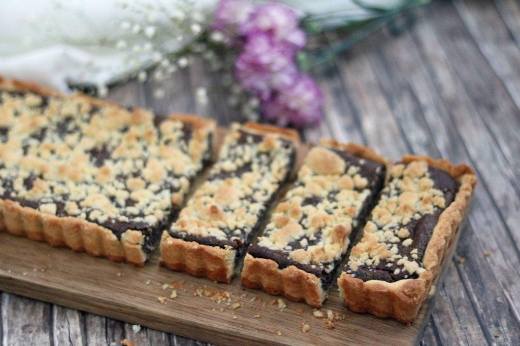 Mohnkuchen als Tarte mit Streuseln